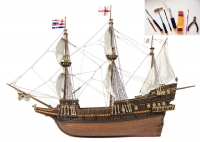 GOLDEN HIND с инструментами масштаб 1:85