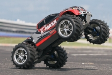 Traxxas E-Maxx 4WD 1/10 + NEW Fast Charger